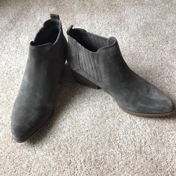 Crown Vintage gray bootie. 7.5.